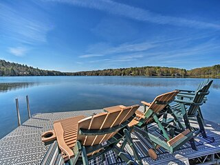 NEW! Lakeside Retreat: Fire Pit, BBQ, Paddleboat!