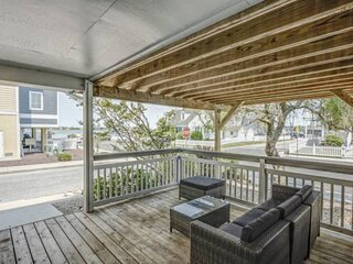 Octoberfest Special! Bayside views. Sleeps 6. Close to OC action, entertainment,