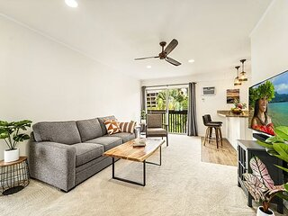 Kona Mansions#302 Top Floor,Corner Unit,Modern & AC, Located in Heart of Town