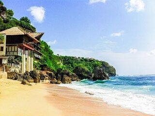 Awesome 3 bedroom villa located on Bingin Beach