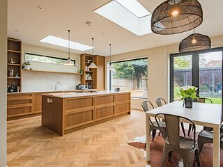 Stunning family holiday home in the heart of Whitstable, Kent sleeping 7