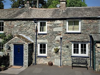 The Old Cop Shop - Family-friendly cottage within walking distance of Glenriddin