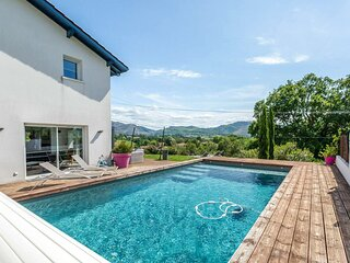 Legarcia 2 - Villa avec piscine privée dans un cadre verdoyant