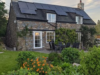 Totally renovated Welsh cottage 'away from it all'. Peace in the countryside.