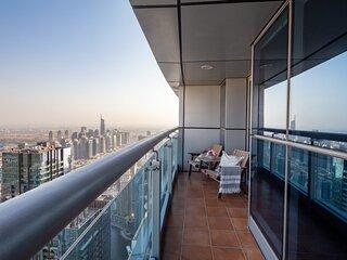 Luxurious 2BR Loft with City Views in Dubai Marina
