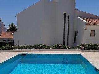 Impecable 4-Bed Villa in Praia da Areia Branca