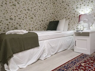 Cozy guest room with best location in Stockholm, 10m 2