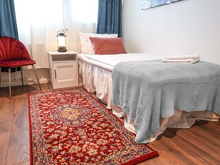 Best location in Sodermalm Stockholm, cozy guest room single bed 10m 2