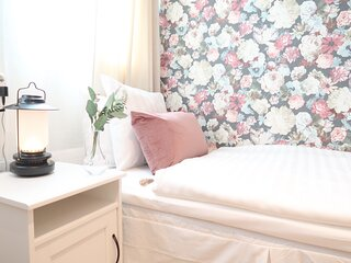Detailed guest room in beautiful guesthouse Tre Sma Rum Sodermalm, 10m 2
