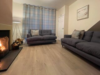 The Sands Cottage (Sea Views, Central location, Dog friendly)
