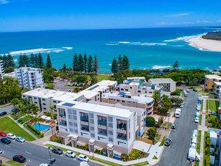 Luxe 5-floor Townhouse with Ocean-View Deck near Beach