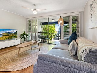 Stylish 3-Bed Unit with Pool Metres from Beach