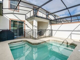 4 Bedrooms  Amazing Townhome, PRIVATE POOL,  on Champions Gate - 1553