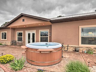 NEW! Stunning Home w/ Fire Pit, 11 Mi to Mt Yale!
