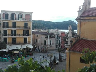 Vista panoramica verso piazza situata al 2° piano
