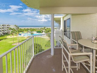 CRC 1412 - Fourth Floor Condo with Beautiful Views