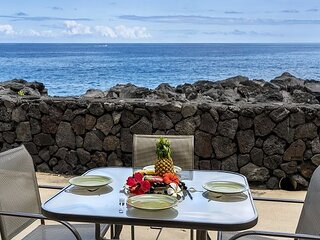 KKSR#5103 DIRECT OCEANFRONT,  GROUND FLOOR, REMODELED, AIR CONDITIONING!