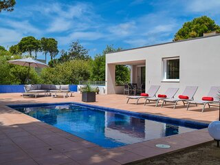 Villa  700 mts from the beach,Sea view, pool, A/C, Internet.BEGUR-COSTA BRAVA