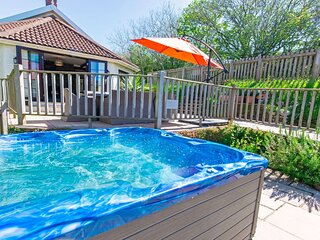 Streamways Nr Croyde | 6 Bedroom/ sleeps 14-16 | Hot Tub*