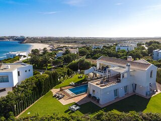Villa Ocean Blue with stunning panoramic views over the Atlantic
