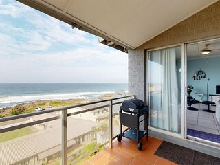 Best Family Vacation Rentals By IVACATION - SUE CASA 11 in MANABA BEACH, KZN, SA