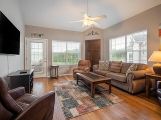 3 Bedroom, 3 Bathroom Luxury Golf Condo with Beautiful Course View from Sunroom