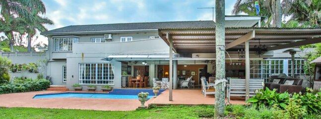Lagoon Beach House - 350m to Beach, alquiler vacacional en Zinkwazi Beach