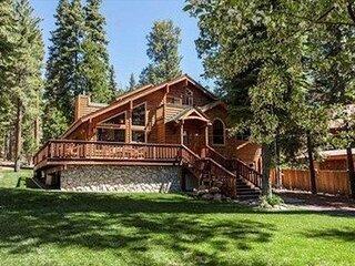 Estates Lodge - Luxury Home | Private Hot Tub