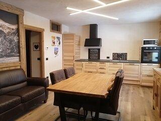 'Aiguille Noire' Appartamento nuovissimo con vista catena Monte Bianco