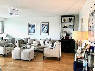 100m2 Luxury apartment with double parking and 2 balconies
