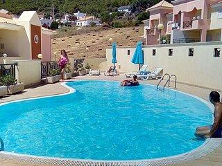 Sesimbra Seaside Duplex 750m shared Pool & Beach