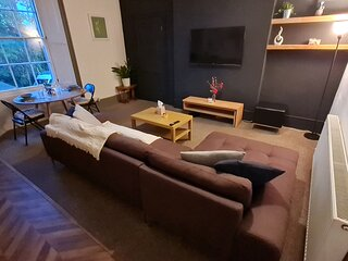 Spacious Quiet And Central Apartment With Parking