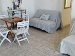 Apartamento encantador a sete quadras da praia