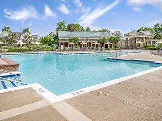 Family Vacay! Cozy Unit Near Attractions, Pool, Golf