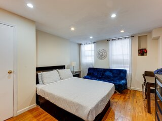 Chic Chelsea (2RW) Studio Just for You