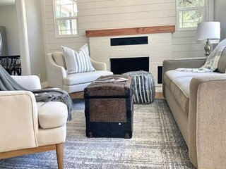 NEW! Modern Farmhouse Vibes in this Beautifully Remodeled Bench Charmer, Minutes