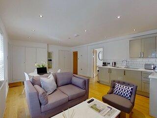 BookedUK: Cosy but spacious apartment