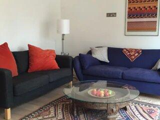 Large garden flat, 2 en-suite double rooms