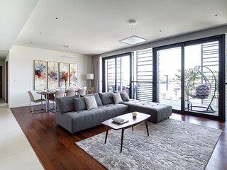 Elegant 3BR Apartment In City Walk