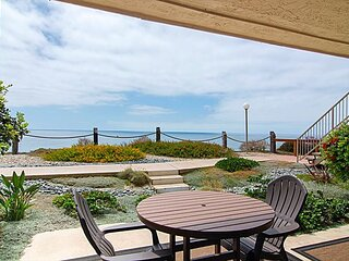15% OFF 4th OF JULY Ocean View Condo, Remodeled, w/ Pool, Spa & Beach Access