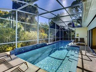1 Block from Siesta Key Beach, Wifi & YTube TV, Private Heat Optional Pool,  Nea