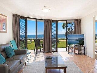 San Simeon 6 - Spacious, ground floor and absolute beachfront!