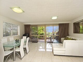 San Chelsea 8 - Beachfront Bilinga