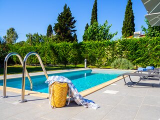 Villa with private pool in Svoronata