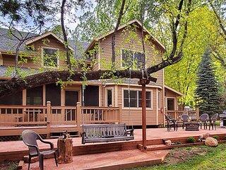 Family-Style Creekside 5-Bedroom w/mini-horses, pool table, UTVs in Payson, AZ
