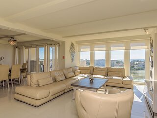 New listing! 4BR bayview for large families! Beachfront resort.