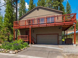 Updated Lakeside Hideaway | Walk 4 Minutes to Beach, Dining & Entertainment