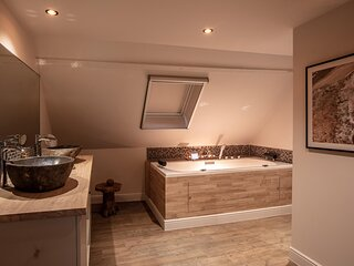 Holiday Home Relax with sauna, jacuzzi and sunshower