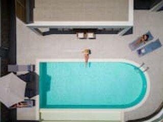 DnD Estate - Q Villa 1, holiday rental in Kanálion