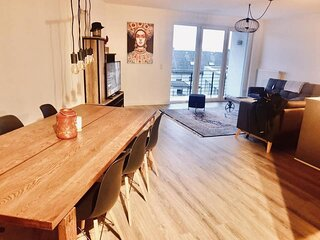 Luxury 4 Beds In Center with Parking and Terrace